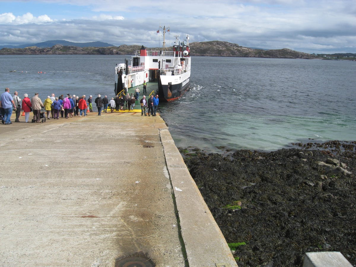 Iona & Fionnphort Breakwater and Berthing Facility